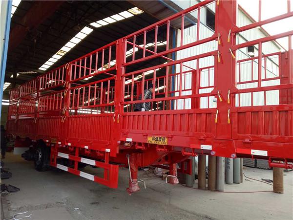 仓栏式运输半挂车