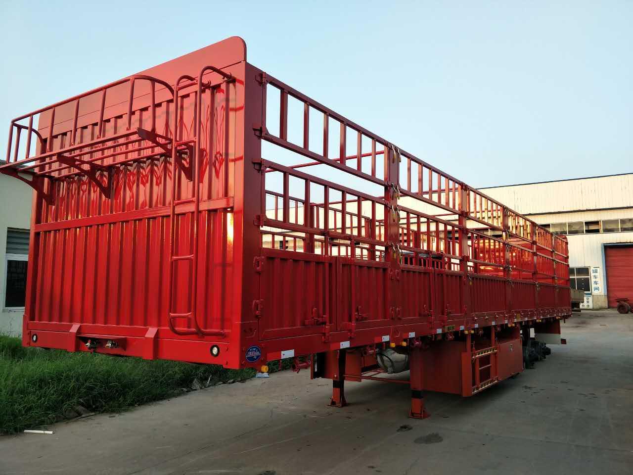 仓栏式运输半挂车生产厂家
